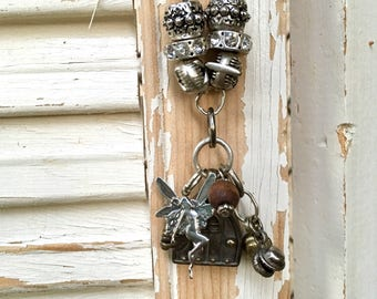 Garden charm hanger for your yard or patio