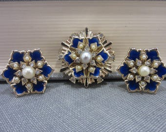 Coro Blue Enamel/Faux Pearl/Rhinestone Flower Screw-Back Earrings & Brooch Set