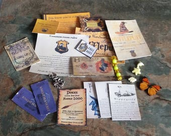 Hufflepuff, Cards, Vials, Magic Wand, and other Charms, & Accessories, content may vary, Harry Potter, Miniture Harry Potter, Dolls House,
