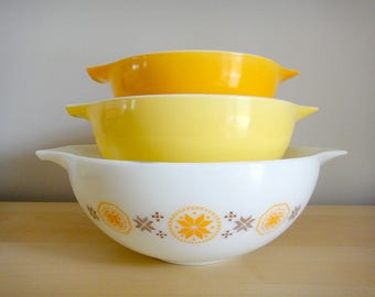 Vintage Pyrex Nesting Cinderella Bowl Set, Town And Country Pattern, Milk Glass, Old Pyrex Mixing Bowls