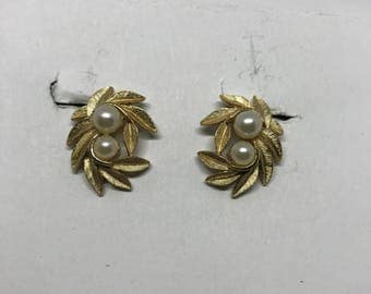 Vintage Clip On Earrings - gold tone leaves and pearl beads