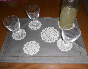Grooming 10 coaster and sous-carafe hand crocheted pieces