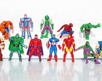 10psc Random Avengers Marvel Mini Figures toys party favor birthday cupcake toppers cartoon series holiday miniature surprise baby Figurine