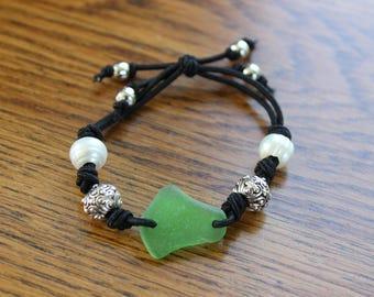 Green beach glass stretch bracelet