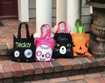 Personalized Halloween Bag, Trick or Treat Tote, Monogrammed Halloween Bag, Halloween Treat Bag,Halloween Tote Bag, Candy Bag