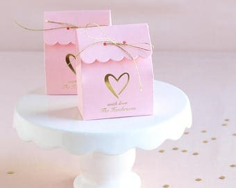 Personalized Scalloped Wedding Favor Box