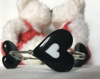 Black heart  bangle bracelet