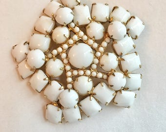 Vtg gold and white mid century brooch