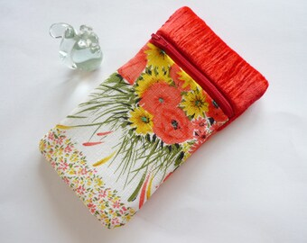 Phone cover padded flowers and red velvet case