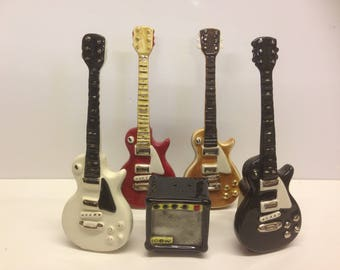 Gibson Les Paul style guitar and amp salt and pepper shaker.