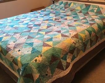 Full size Teal and Gray Hourglass quilt