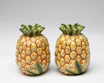 Pineapple Salt and Pepper Shaker Set