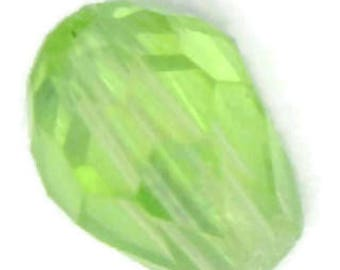 light green glass teardrop, light green teardrop, light green tear drop, green teardrop, green drop bead, 7x5mm green teardrop