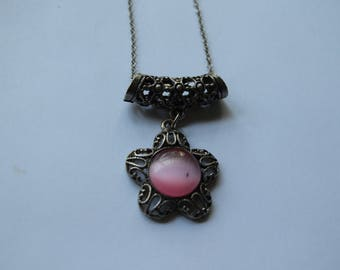 Pink/silver chain necklace
