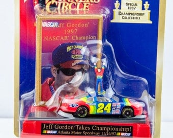 Winners Circle Jeff Gordon # 24 1997 Nascar Championship 1/64 Diecast Car
