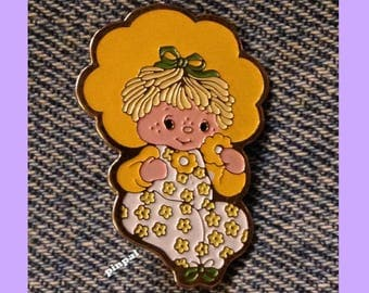 Vintage 1980 Butter Cookie Brooch Pin  ~ © American Greeting Cards from Strawberry Shortcake Collection