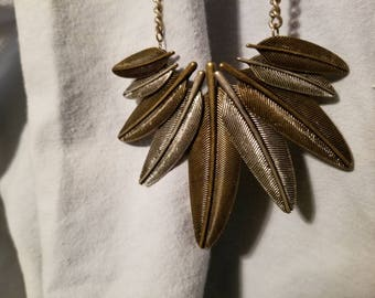 Leaf or feather chain necklace