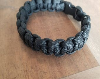 Black Survival Paracord Bracelet