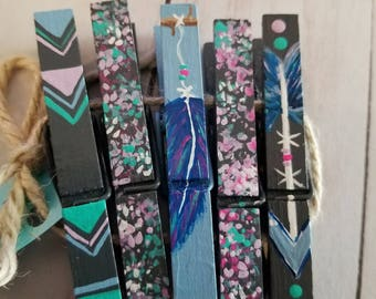 Feather and Arrows Hand Painted Clothespins//Photo and Place Card Holders// READY TO SHIP