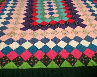 Vintage - Around the World - Hand sewn - hand quilted - quilt- around the world quilt - vintage quilt - queen size quilt