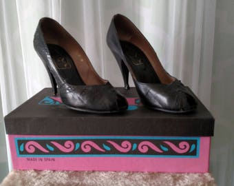 70's Retro Leather Pumps by Nina