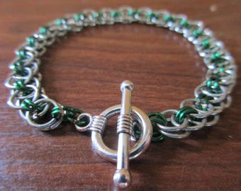 Simply Green Chainmail Bracelet   Helm Pattern