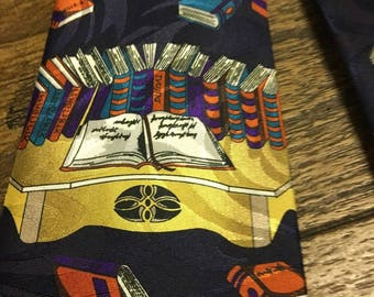 Hoky Bible and other books are featured on this tie.  FREE SHIPPING  31