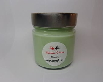Lemongrass scented soy vegetable wax.