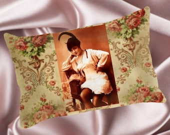 Vintage Pin Up Pillow - Vintage#001