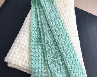 Baby blanket Mint green/cream