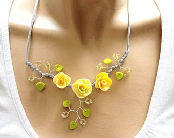 Necklace yellow green and Topaz floral