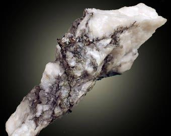 Petzite in Quartz; Mc Alpine Mine, near Coulterville, Toulumne Co., California, USA