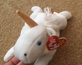 1st Generation TY Collectors item Beanie Baby DOB May 21. 1994 Retired 1995