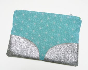 Large case color Mint green / white graphic pattern / closed by zipper and contrast with silver glitter