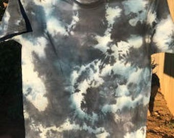 tie dye black and navy t-shirt