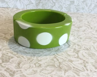 80s Green Plastic Bangle Bracelet With White Polka Dots, Two Pieces Connect on Both Sides With Magnets