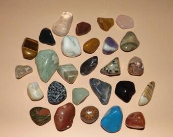 Pierres minérales naturelles en lot de 27 pierres  pour collection, soin, bien être - lithothérapie - minéraux - pierres roulées