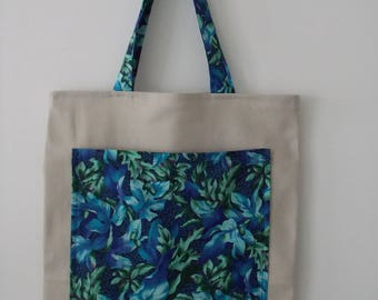 Tote bag with its large outside pocket print