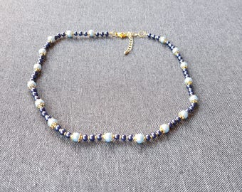 Necklace mother of pearl beads light blue and Navy