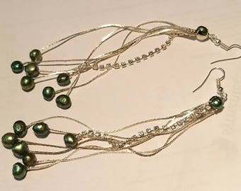 "Freshwater Pearl drop earrings ""shooting""... Keshi pearls, rhinestones and silver finishes."