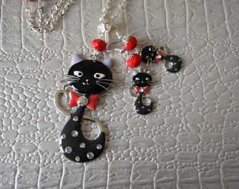 Set necklace and earrings black cat family