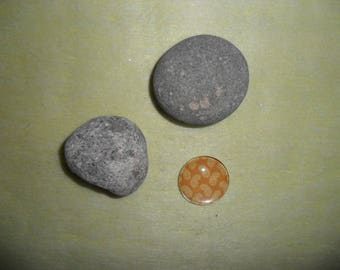 orange Burl and ethnic pattern glass cabochon, 20 mm round