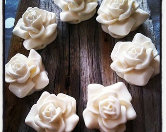 Flower/4 ivory resin rose cabochons 35x30x20mm holes
