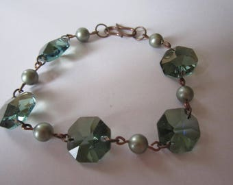 Octagons and round bracelet Antique Green Swarovski Pearl