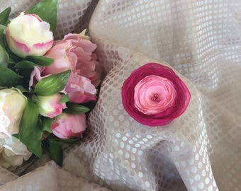 Flower 6 cm in pink and fuchsia silk chiffon with pearls