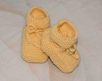"""Booties hand knitted """"cotton-Merino"""" baby, vanilla yellow"""