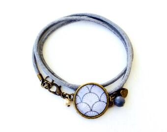 Grey bracelet - Cabochon grey geometric waves
