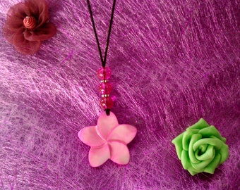 Pink mother of Pearl Flower necklace