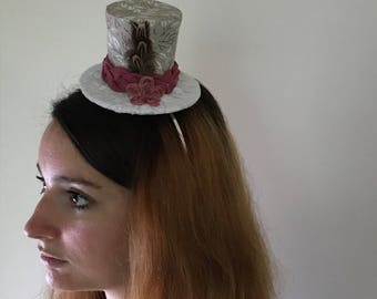 Small top hat beige, white and Burgundy