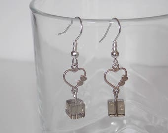Fancy heart and Pearl Earrings gray